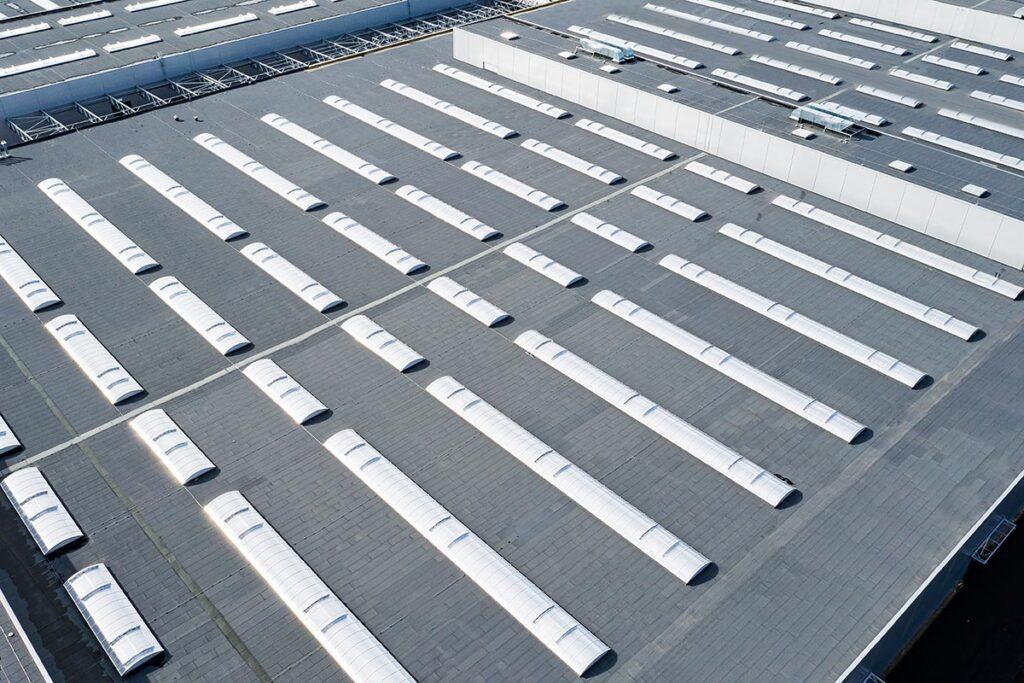 swietliki dachowe do hal przemyslowych