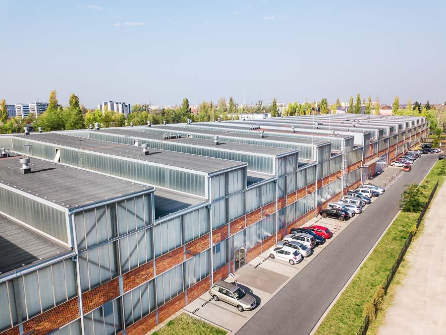 termomodernizacja fasady budynku przemysłowego